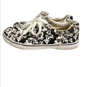 Disney Mickey Mouse canvas lace up sneakers size 8